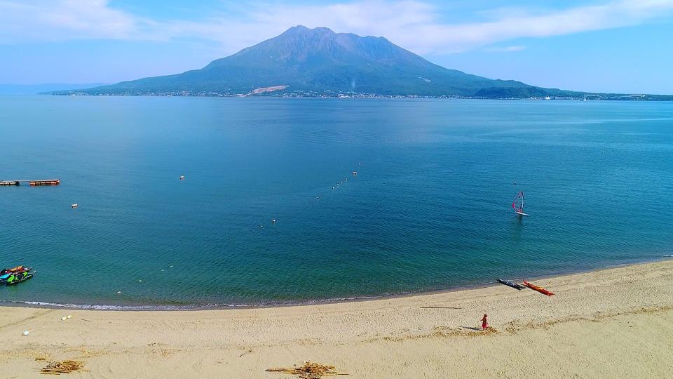 桜島と錦江湾を一望できる磯海水浴場という最高のロケーション!!